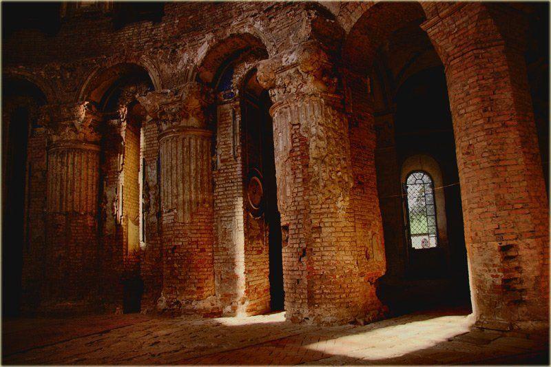 Луч света в темном царствеphoto preview