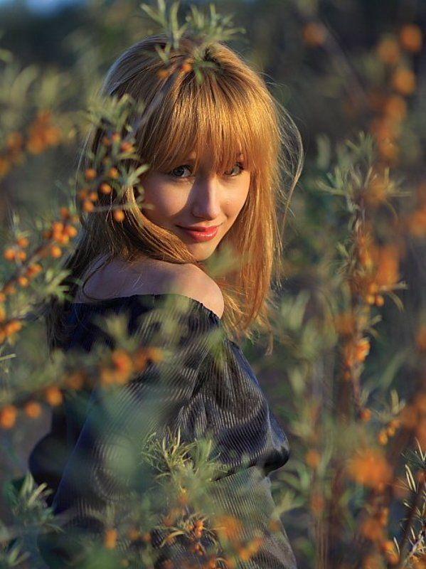 портрет девушка рыжая облепиха осень ***photo preview