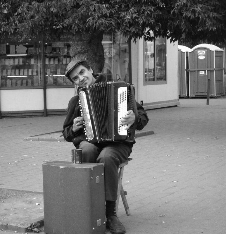портрет, город, баянист, добрый человек * * *photo preview