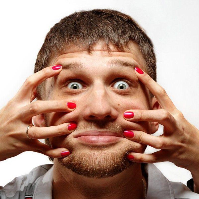 костя, молодой человек, руки, ногти, брак, семья Уже год женатphoto preview