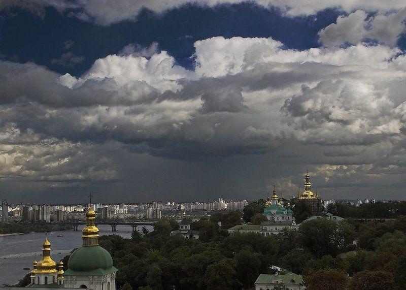 киев,лавра,гроза Непогодаphoto preview