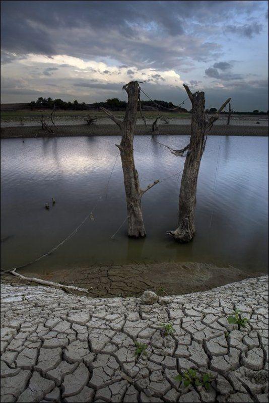 река, псекупс, засуха Обнажениеphoto preview