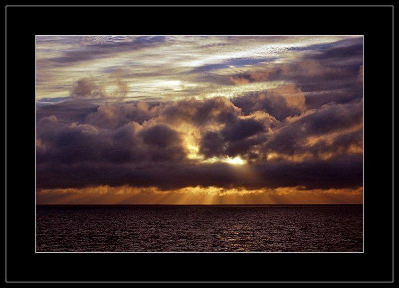 закат, о. змеиный, море,облака Закат на Змеином островеphoto preview