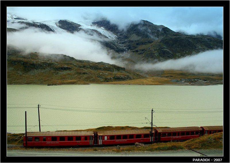 бернина, перевал, экспресс, облака, горы, альпы, paradox Красные вагоны, горы в облакахphoto preview