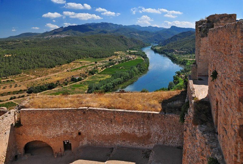 испания, каталония, коста, дорада, долина, река, эбро, замок, миравет, miravet Высоко над Эброphoto preview