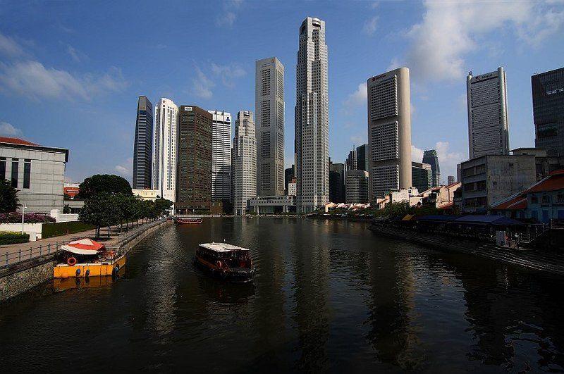 Сингапур,вид на UOB plazaphoto preview