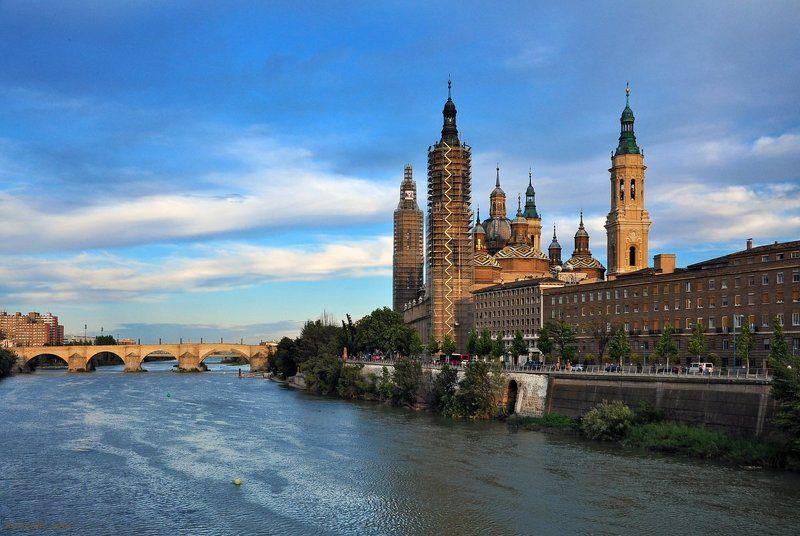 испания, арагон, сарагоса, базилика, богоматерь, пилар Basilica de El Pilarphoto preview