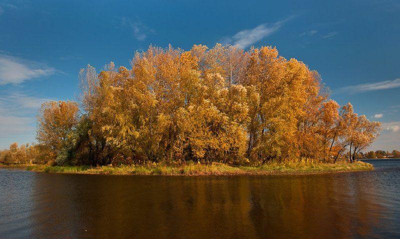 осень, залив, островок, днепр, киев, облака, отражения Осенний островок..photo preview