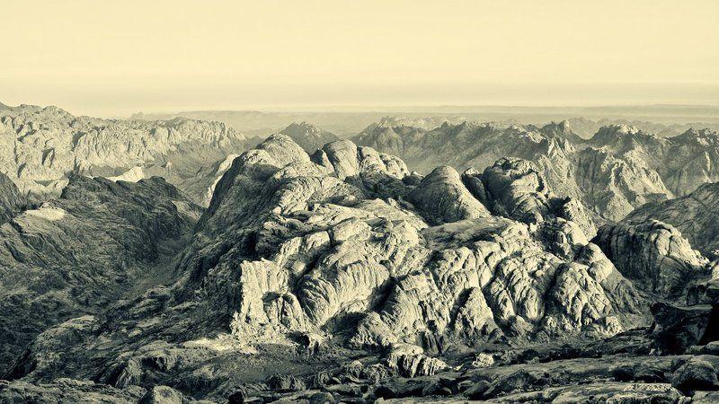 Вид на горы с Джабал-Мусаphoto preview