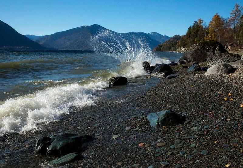 Осенний шторм Телецкого озера.photo preview