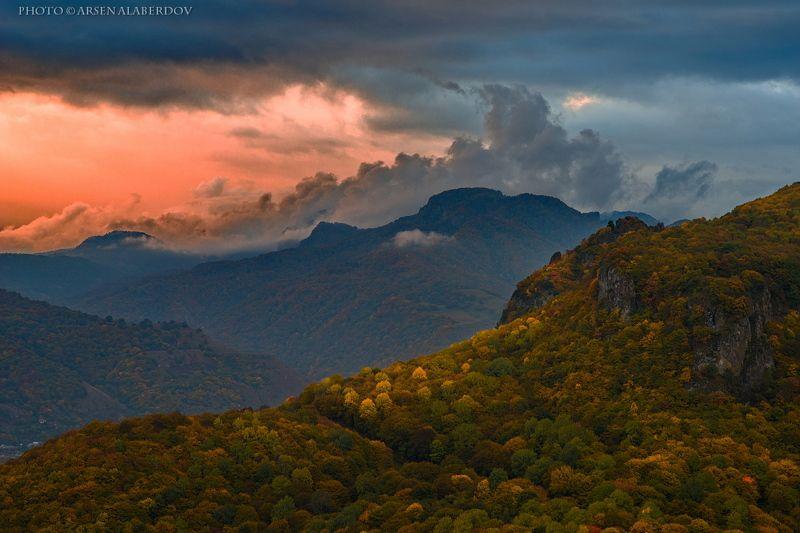 горы, предгорья, осень, вечер, закат, хребет, вершины, пики, озеро,каньон, обрыв, скалы, холмы, долина, облака, путешествия, туризм, карачаево-черкесия, кабардино-балкария, северный кавказ ОСЕННИЙ ВЕЧЕР ..photo preview