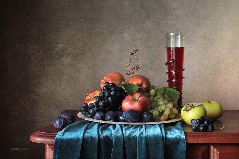 Фруктово-ягодный натюрмортphoto preview