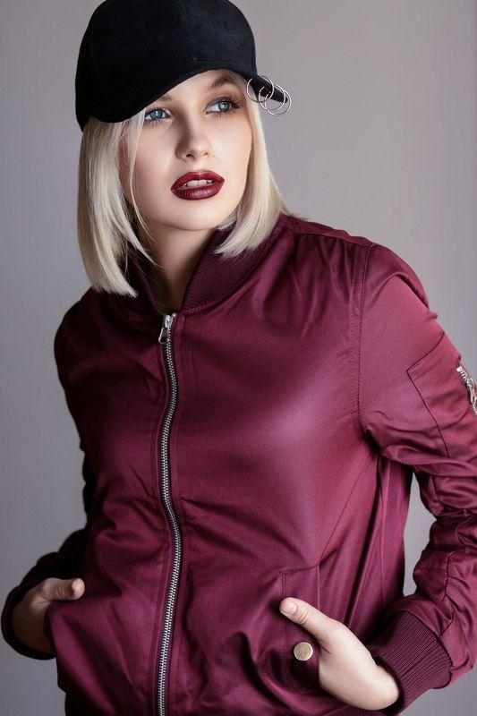 model, beautifull, girl, blonde, studio, eyes. ...photo preview