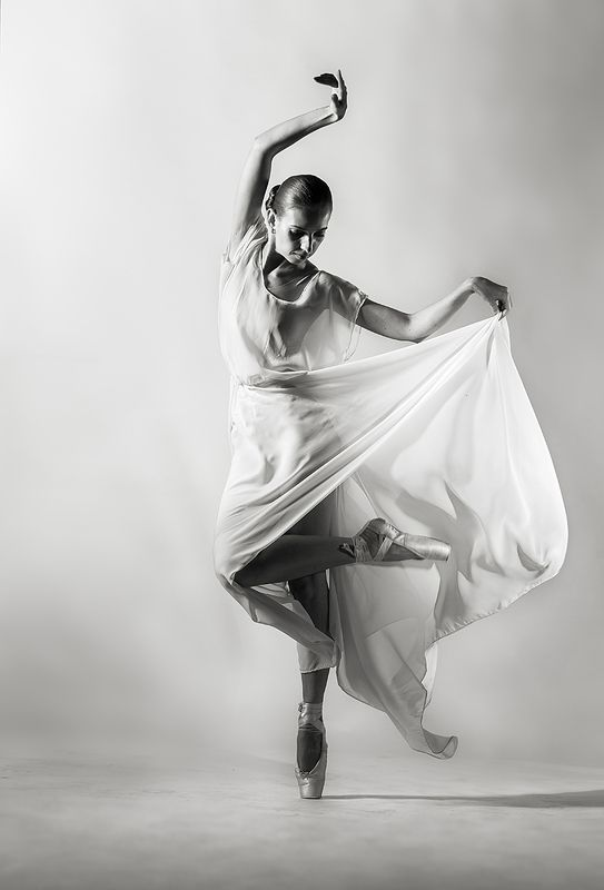 танец, студийная, постановочная, чёрно-белое, концепт, графическая, art, fine art, романтическая, балет, тело, линии, свето-тень, девушка, красивая, движение, davydov Танец...photo preview