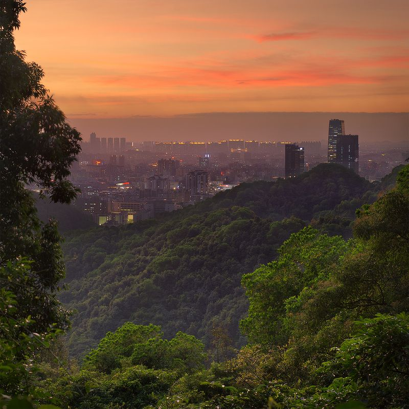гуанчжоу, китай Вид на Гуанчжоу с горы Байюньphoto preview