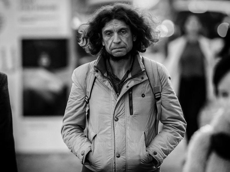 Человек, люди, эмоции, чувства, улица, стрит, Грустьphoto preview