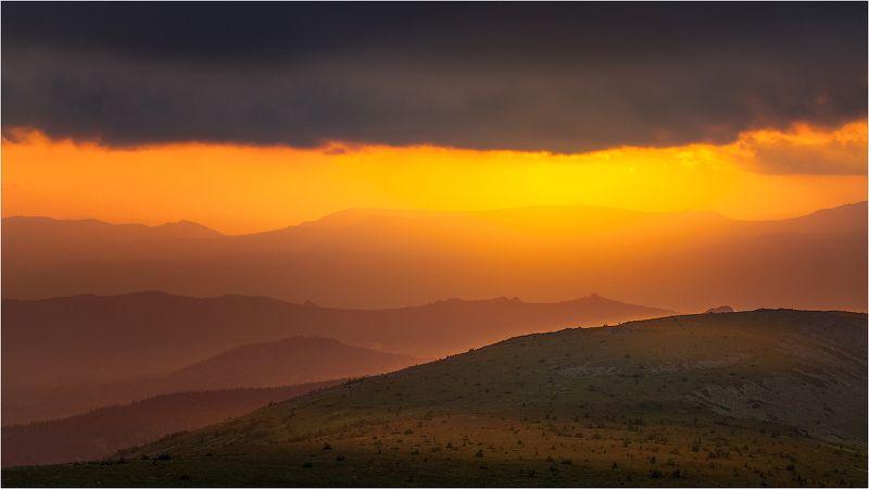 иремель зигальга бахты жребчик горы небо солнце урал краски Краски закатаphoto preview