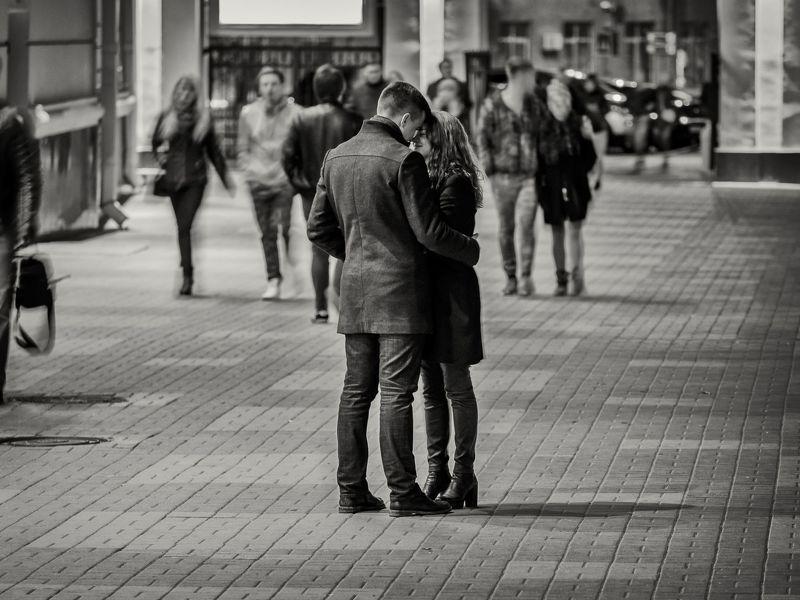 Жанр, стрит, улица, люди, любовь, чувства Время остановилосьphoto preview