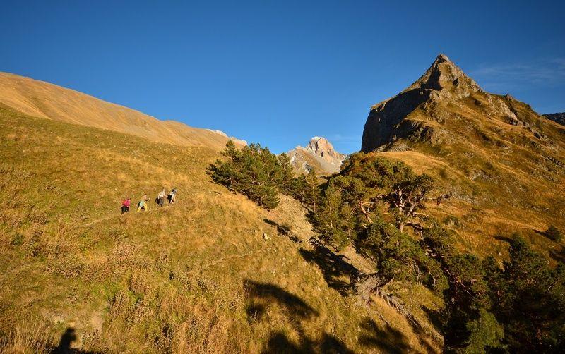 горы, тропа, туризм По тропеphoto preview