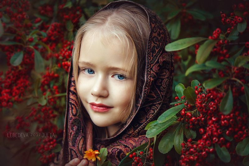autumn red portrait girl beauty beautiful cute happiness child photo children green happy photosession photography photoshop baby berries retouch photoart juliahappy Anastasiaphoto preview