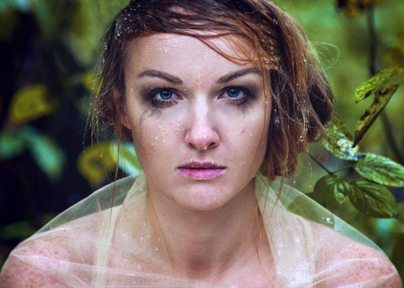 принцесса, сказка, лес, голубые глаза Погода была ужасная,photo preview