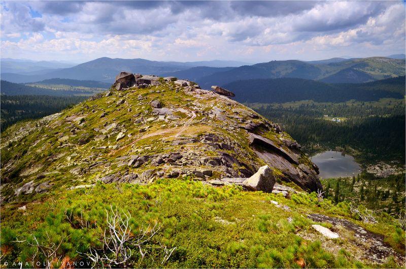 ергаки, западные саяны, озеро радужное, висячий камень В Ергакахphoto preview