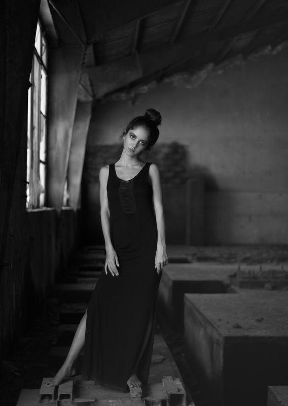 Apathetic,Portrait, Dark-Portrait, Factory, Black&White, BW Apatheticphoto preview