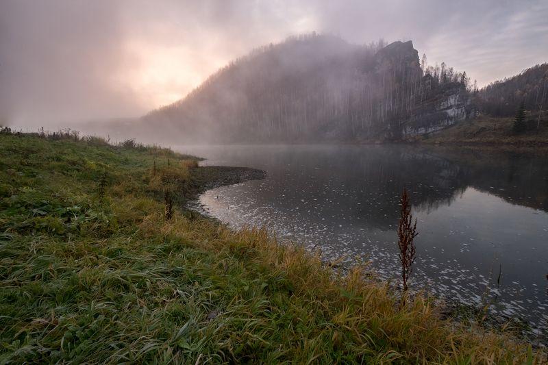 утро, рассвет, туман, скалы, изморозь, трава Облака над водойphoto preview