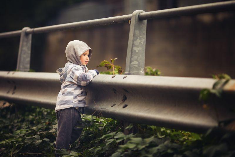 мальчик, дорога, ожидание, детский фотограф, эмоции, boy, road, face, kids, дети photo preview
