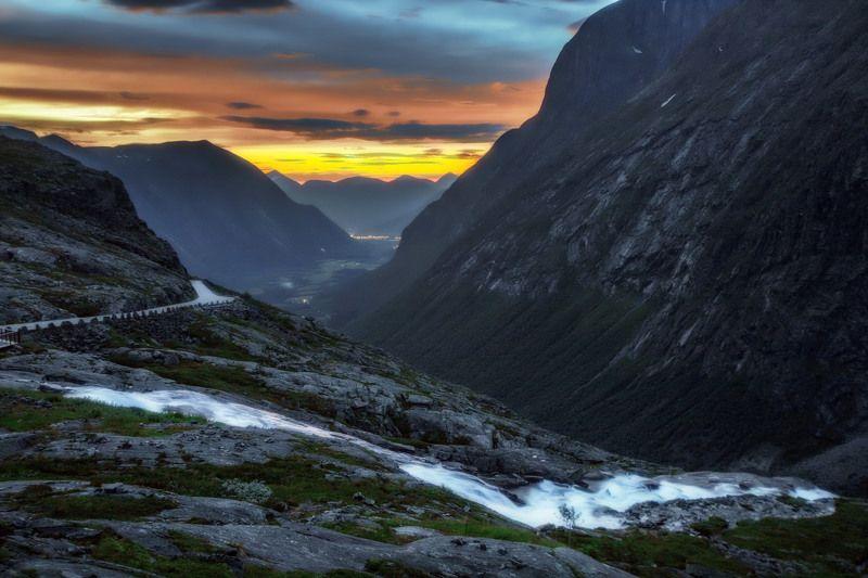 горы, долина, река, закат, ночь, облака, дорога Горная ночь.photo preview