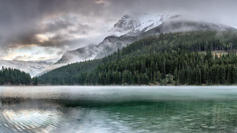 Канада, Скалистые горы, Банф, озеро, пейзаж Утро в горахphoto preview