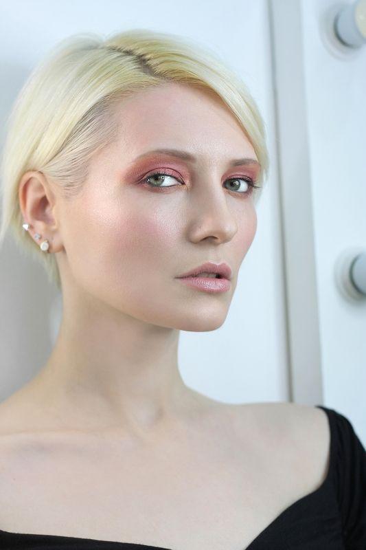 портрет блонд Весенний взглядphoto preview