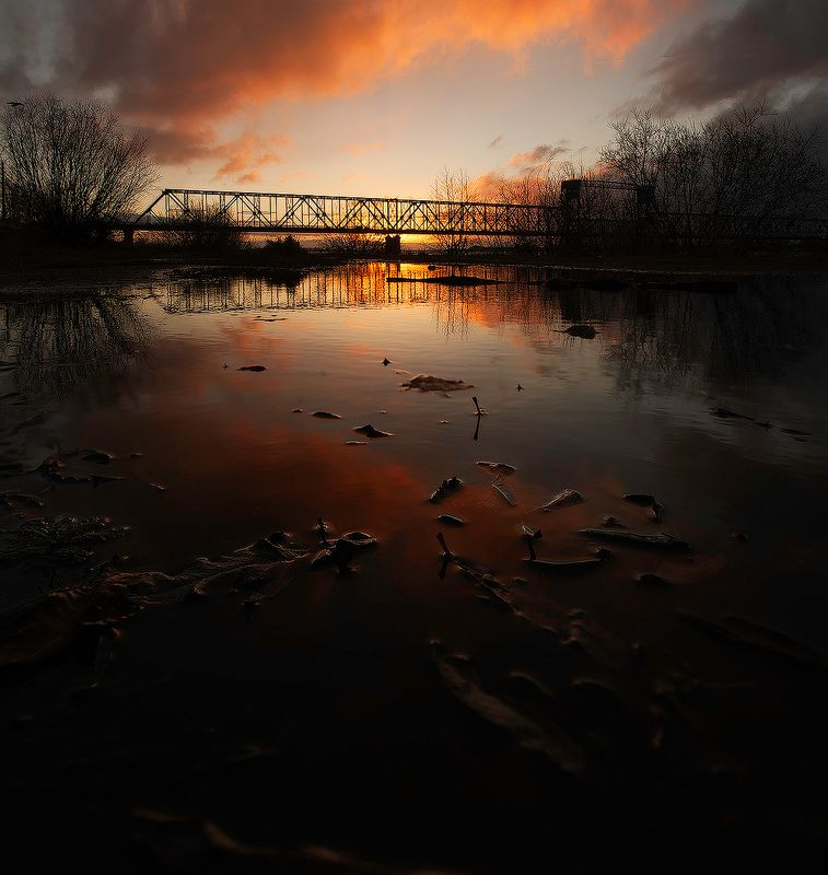Мост на рассвете.photo preview