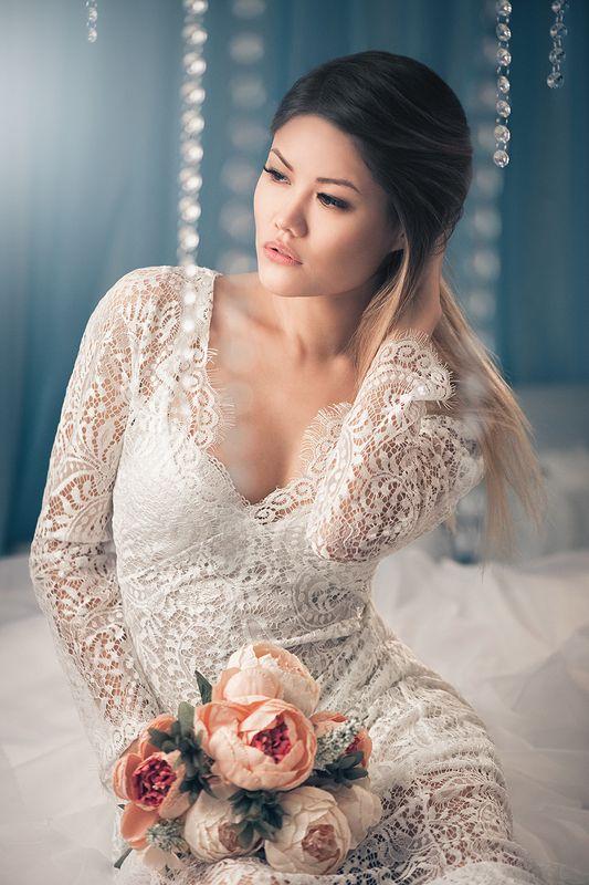 Портрет,постоянный свет,девушка,нежность,цветы,белое платье, Эляphoto preview