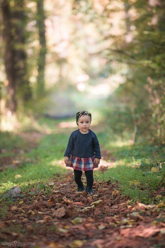 девочка, лес, природа, жанровый портрет, Северная Осетия,  Первые прогулки по лесуphoto preview