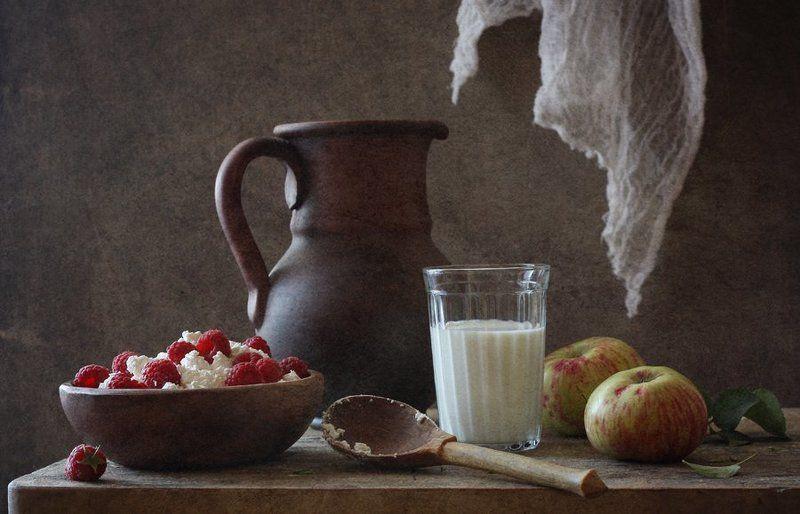 малина, творог, ложка, молоко С творогом и малинойphoto preview