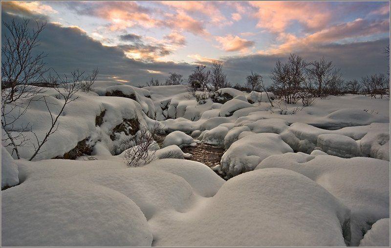 снег, река, рассвет, сопки, кольский, облака Укрывают снега , укрывают...photo preview