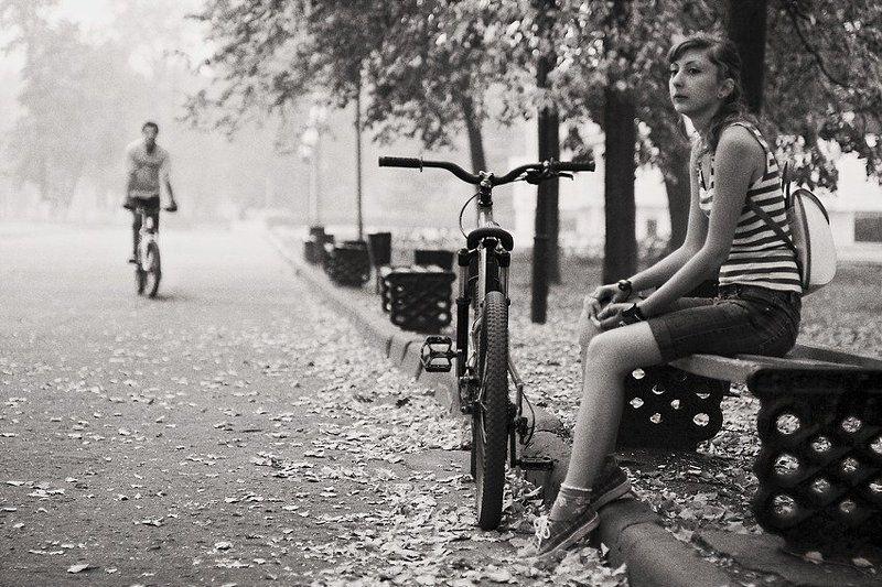 любовь, велосипед, встреча За секунду до встречиphoto preview