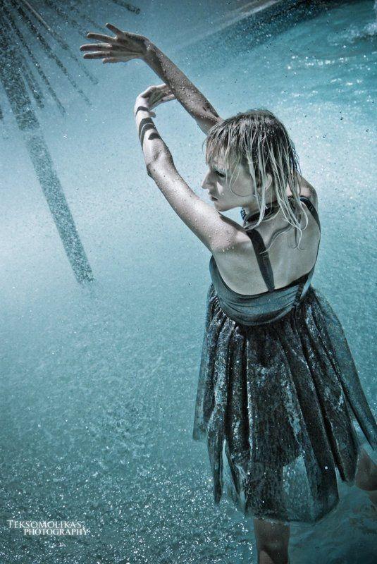 girl , water  , emotion , black , blue , teksomolika , ukraine Flow-glowphoto preview