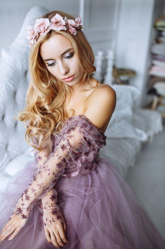 девушка, нежность, цветы Аннаphoto preview