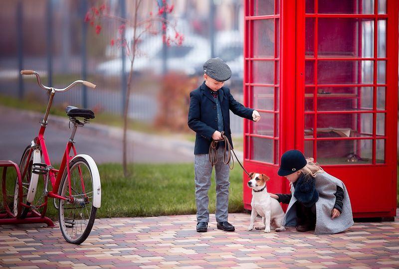 child, children, kids, детский фотограф, фото, фотография, детская фотография, постановочная фотография, красный цвет, колористика, девочка, мальчик, собака, ребенок, бейкер стрит Сыщики с Бейкер стритphoto preview