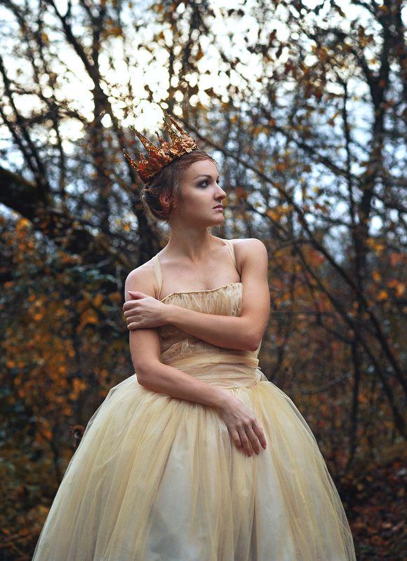принцесса, сказка, лес, голубые глаза Видит - полянка прекрасная,photo preview