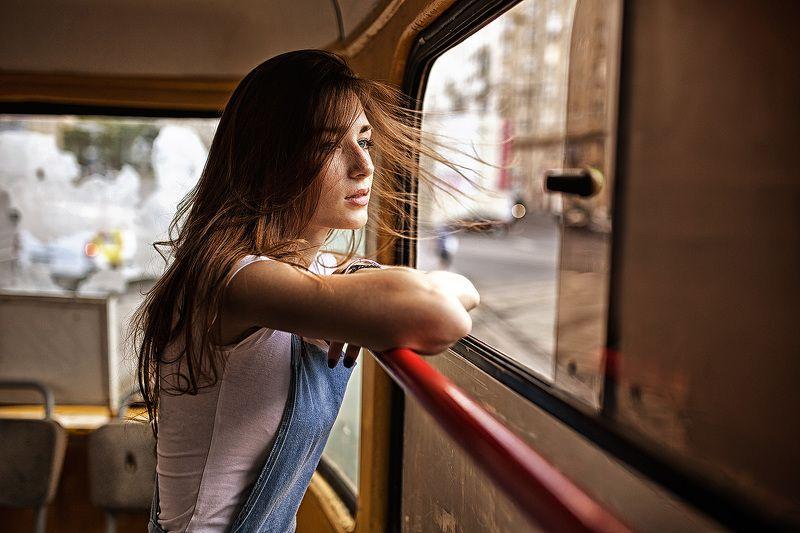Девушка в трамваеphoto preview