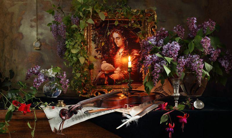 цветы, скрипка, картина, девушка, портрет, живопись, искусство, сирень, музыка, свет, натюрморт, свеча Натюрморт со скрипкой, цветами и картинойphoto preview