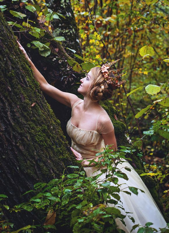 принцесса, сказка, лес, голубые глаза На полянке землянка ужасная.....photo preview