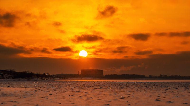 закат, Рыбинск, ГЭС, зима, лед, снег, водохранилище Инферноphoto preview