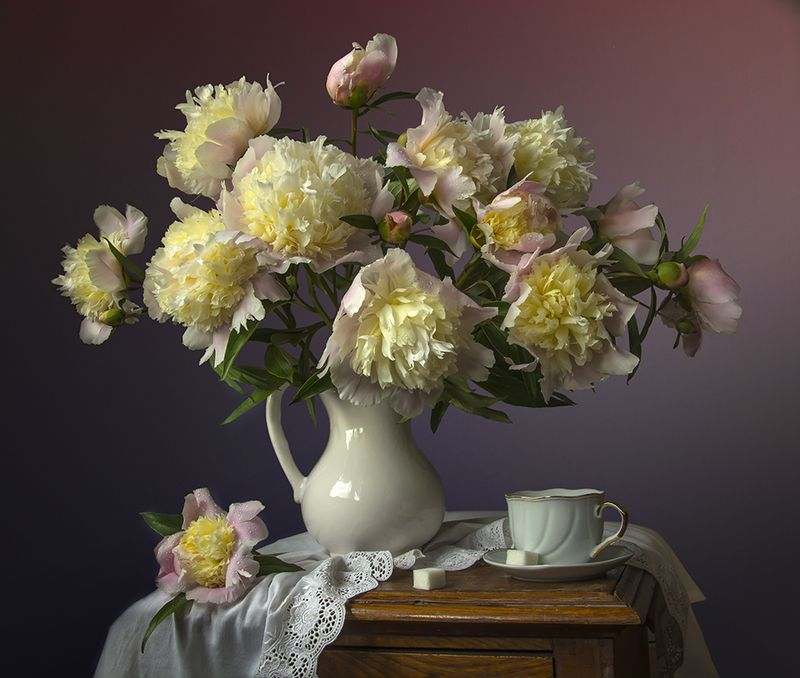 красивый натюрморт с пионами,цветы,букет,художественное фото,искусство,творчество,художественное. Букет пионов.photo preview