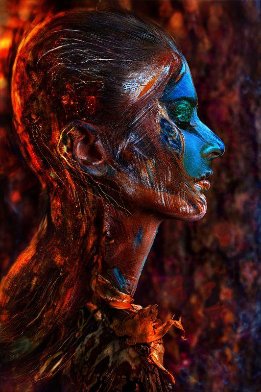 люди, девушка, портрет, бодиарт, фейс, арт, коллаж, картинка, тело, текстура, лес, хранитель, дух, душа, огонь, дерево, кора, лицо, картинка, красный, искры, синий, глаза, шаг, идет, фотокузница, ivankovale Хранитель Лесаphoto preview