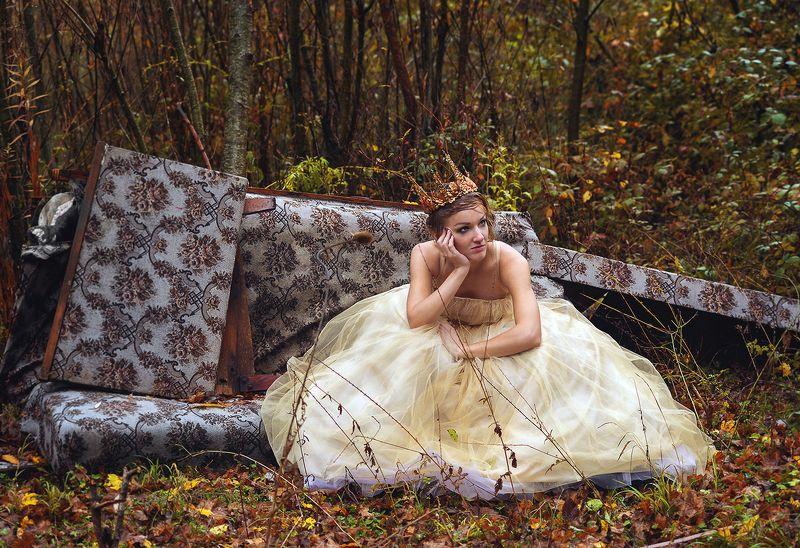 принцесса, сказка, лес, голубые глаза ....А может быть, всё было наоборот?...)photo preview