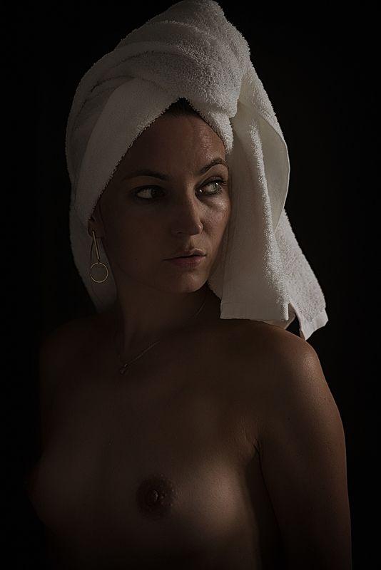 nude, girl, woman, akt, ню, арт, портрет Portrait with Earring - Портрет с Cерьгойphoto preview